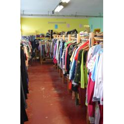 Vêtements d'occasion : Homme/Femme/Enfant